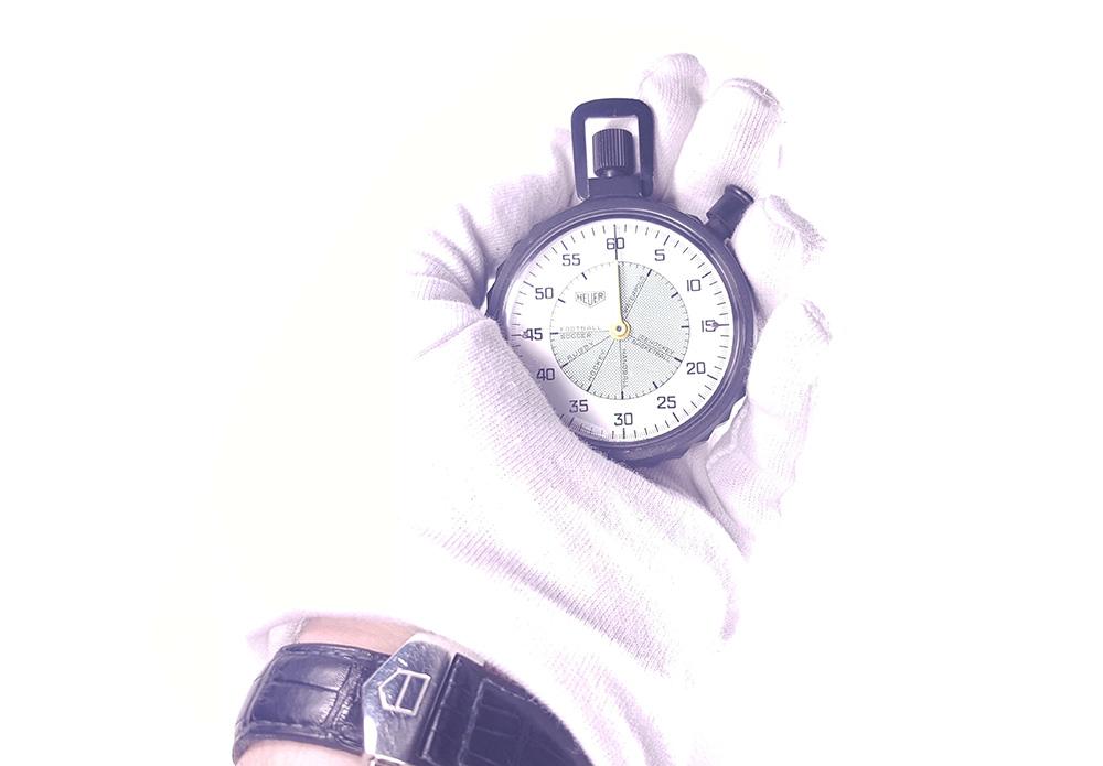 Stopwatch HEUER ref. 502.907 (allsports) --- hand held --- ikonicstopwatch.com --- web version