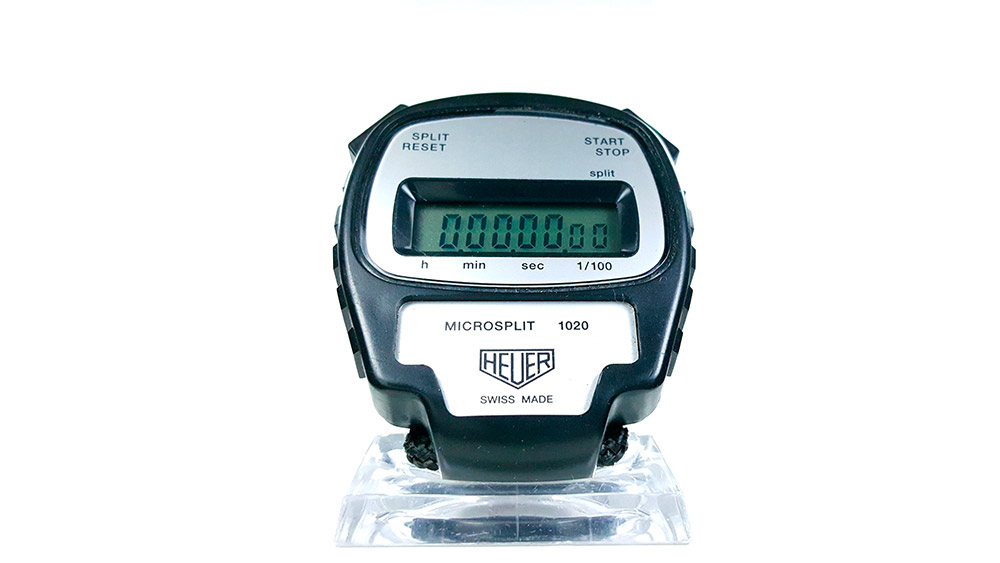 Stopwatch HEUER-LEONIDAS ref. 1020 - microsplit --- close shot --- ikonicstopwatch.com --- web version