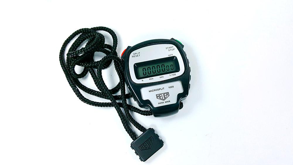 Stopwatch HEUER-LEONIDAS ref. 1020 - microsplit --- top view wide shot --- ikonicstopwatch.com --- web version