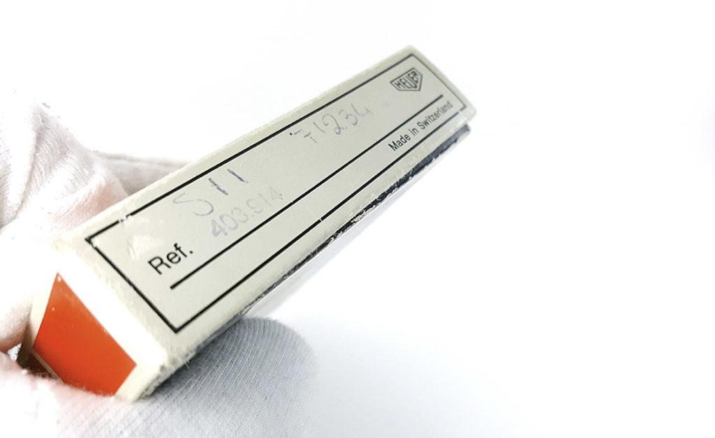 """Chronomètre HEUER-LEONIDAS ref. 403.914 - rowing --- détail de la boite (référence et """"made in Switzerland"""") --- ikonicstopwatch.com --- web version"""