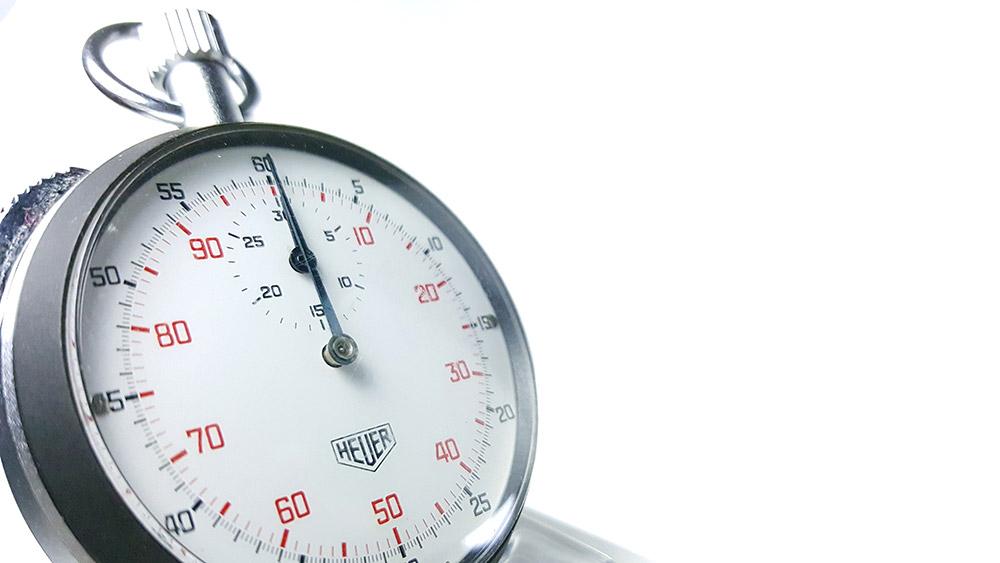 Stopwatch HEUER-LEONIDAS ref. 401.204 --- 3/4 close shot--- ikonicstopwatch.com--- web version