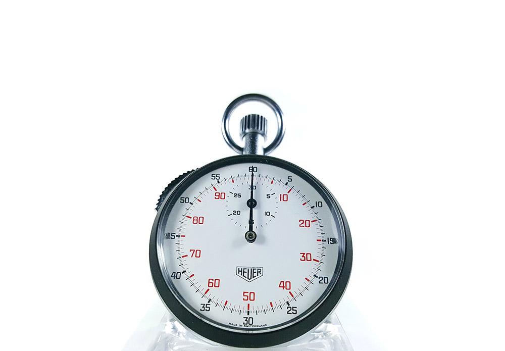 Stopwatch HEUER-LEONIDAS ref. 401.204 (cover) --- close shot--- ikonicstopwatch.com--- web version