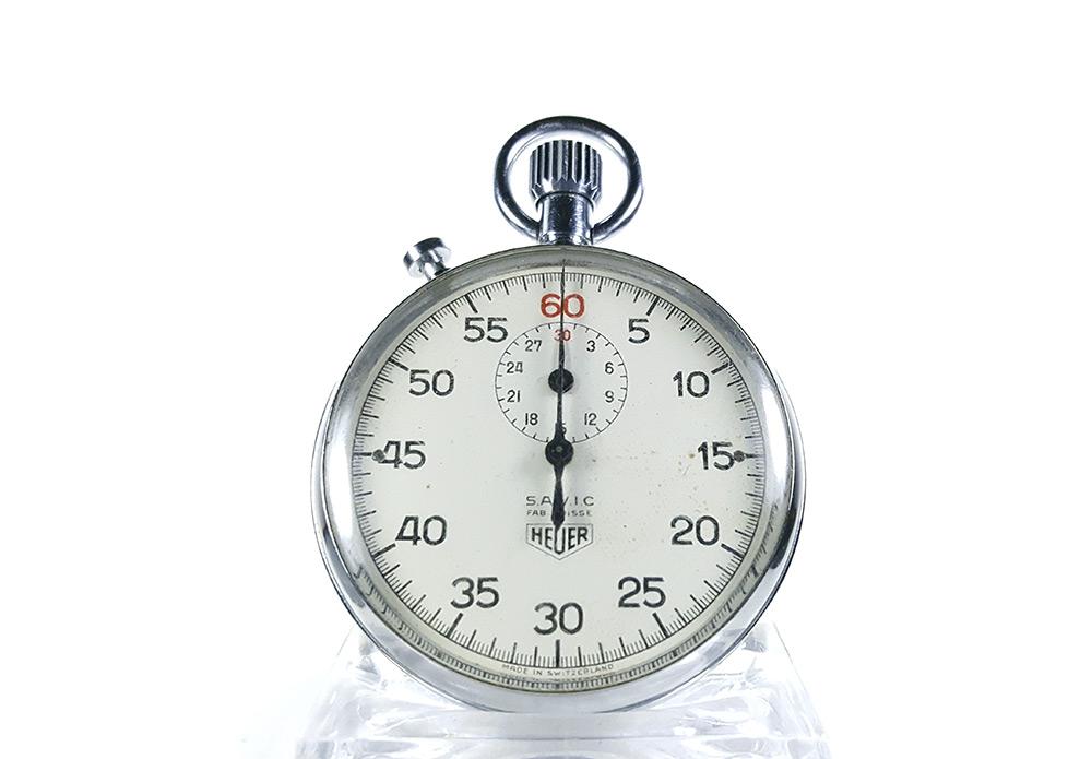 Chronomètre HEUER-LEONIDAS ref. 9901 à rattrapante --- plan général (vignette) --- ikonicstopwatch.com