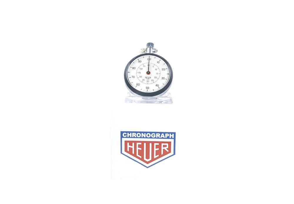 stopwatch-HEUER-LEONIDAS-ref-503-213-wide-shot (cover)