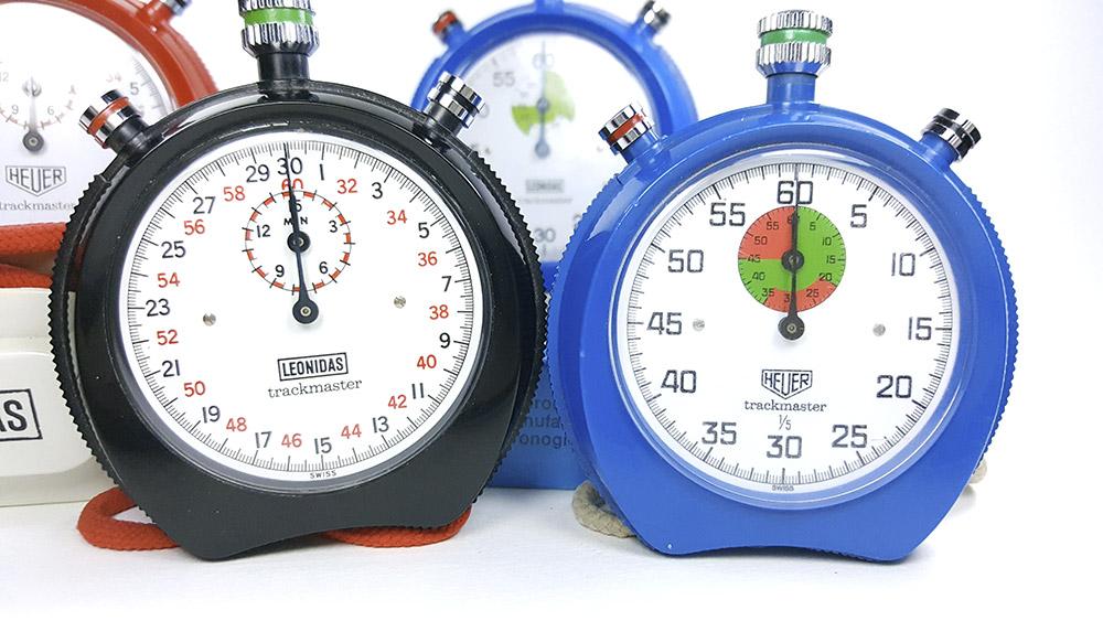 chronometre HEUER-LEONIDAS trackmaster 8042 8047 --- plan rapproche face --- ikonicstopwatch.com