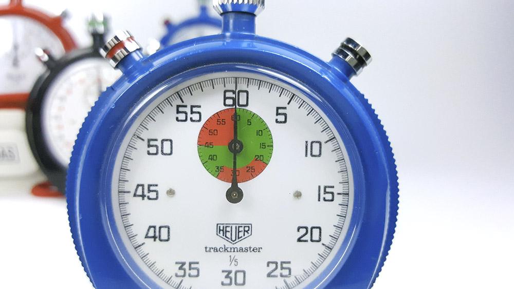 chronometre HEUER-LEONIDAS trackmaster 8042 8047--- plan rapproche face sur 8047 --- ikonicstopwatch.com