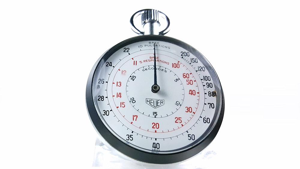 Stopwatch HEUER-LEONIDAS ref. 403.229 --- close-up shot --- ikonicstopwatch.com