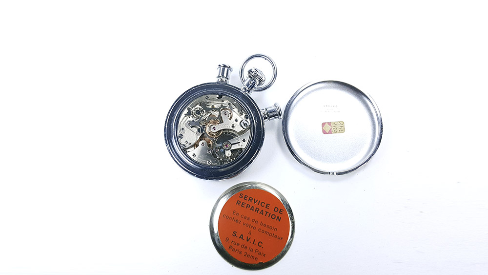 Stopwatch HEUER-LEONIDAS ref. 572 --- top view of caliber Valjoux 57 --- ikonicstopwatch.com