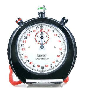 Chronomètre Leonidas 8042 (trackmaster) --- plan rapproché (couverture) --- ikonicstopwatch.com