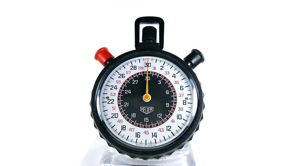 Stopwatch HEUER-Leonidas 512.902 (rattrapante) --- close-up shot --- ikonicstopwatch.com
