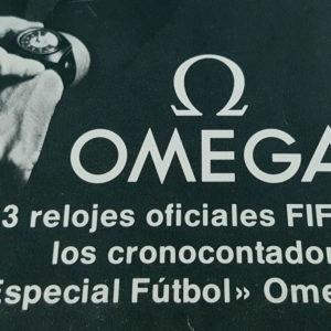 Livret vintage Omega FIFA --- zoom arbitre (couverture) --- ikonicstopwatch.com