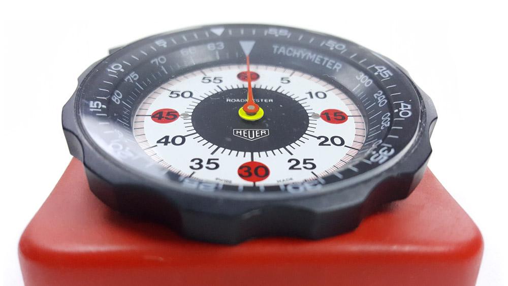 Stopwatch HEUER-Leonidas ref. 804.901 roadmaster vintage --- close-up shot --- ikonicstopwatch.com