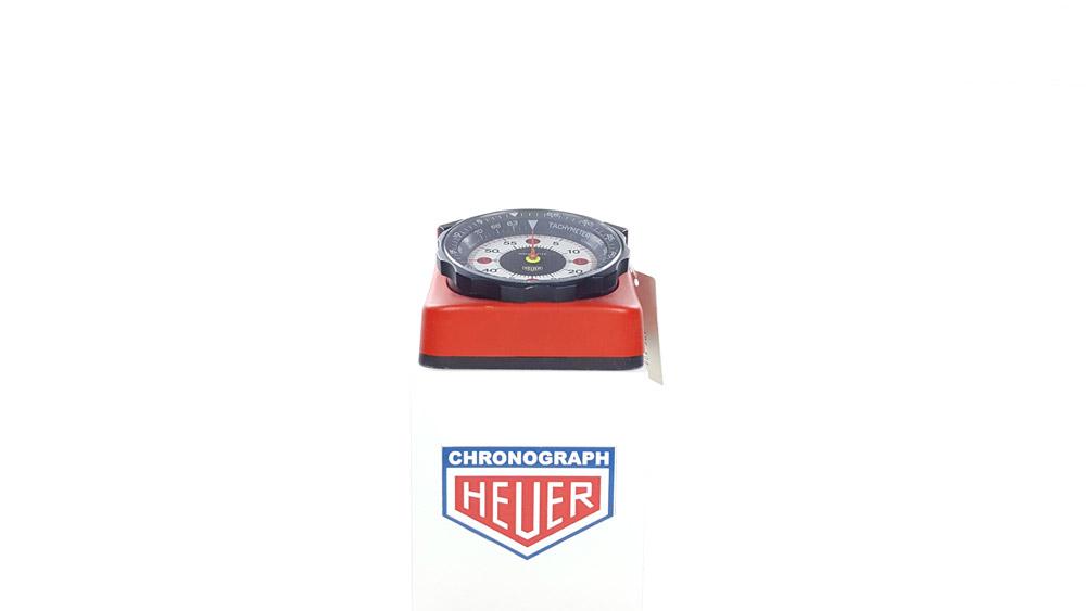 Stopwatch HEUER-Leonidas ref. 804.901 roadmaster vintage --- wide shot--- ikonicstopwatch.com