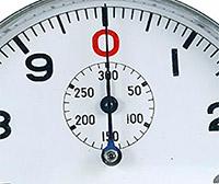 Stopwatch HEUER ref. 906 Vis 300 vintage --- hands detail --- ikonicstopwatch.com