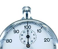 Vintage stopwatch HEUER ref. 913 --- zoom on the case --- ikonicstopwatch.com