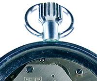 Vintage stopwatch HEUER-Leonidas ref. 408.417 (tachymeter)--- zoom on the crown --- ikonicstopwatch.com