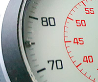 Vintage stopwatch HEUER-Leonidas ref. 503.213 --- zoom on the case --- ikonicstopwatch.com