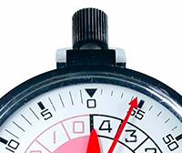 Vintage stopwatch HEUER-Leonidas ref. 503.915 (yacktimer) --- zoom on the case --- ikonicstopwatch.com