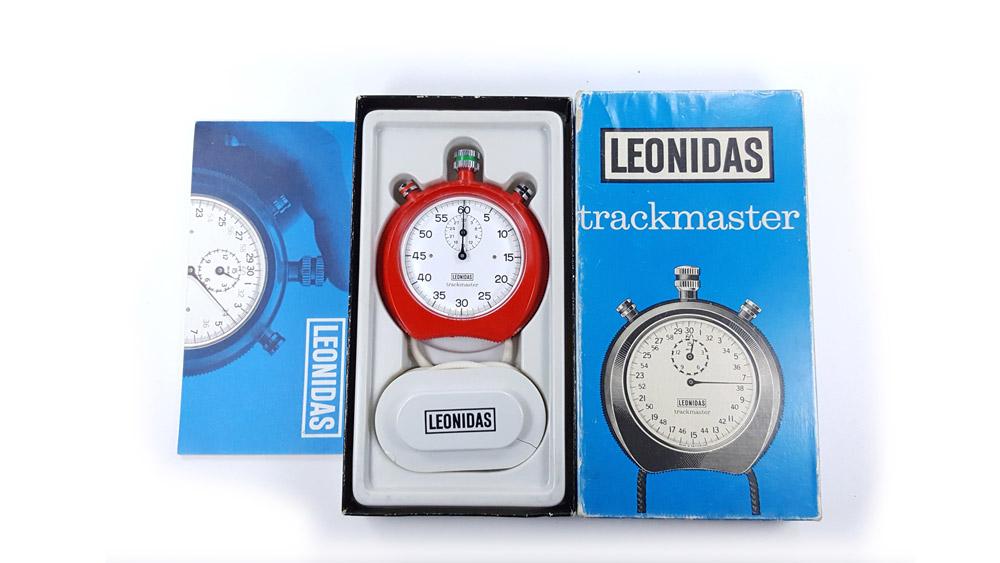Chronomètre Leonidas trackmaster 8041 --- boite vue de haut --- ikonicstopwatch.com