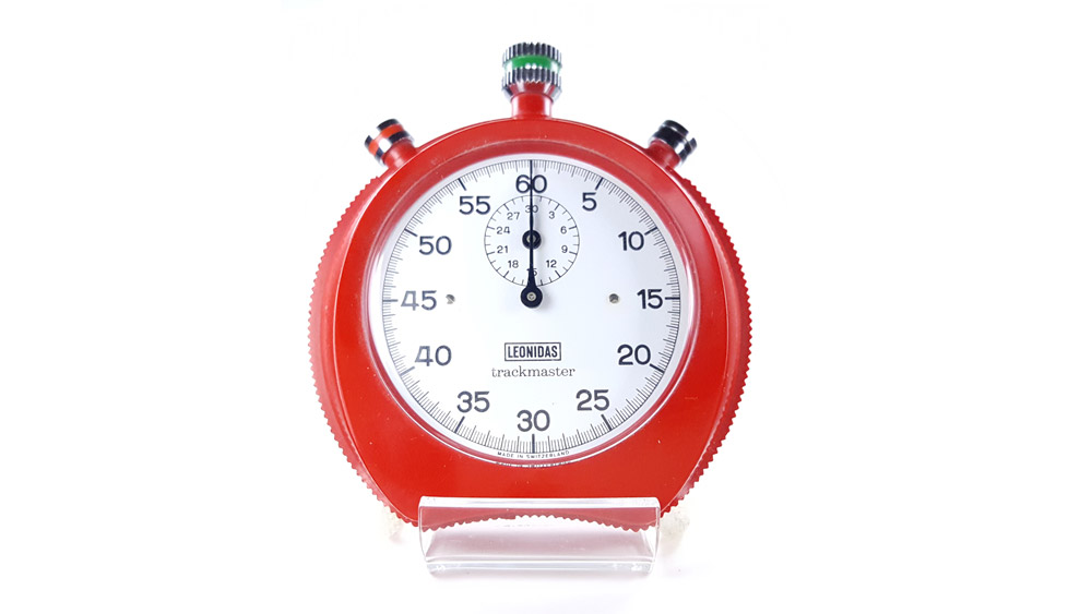 Chronomètre Leonidas trackmaster 8041 --- plan rapproché --- ikonicstopwatch.com