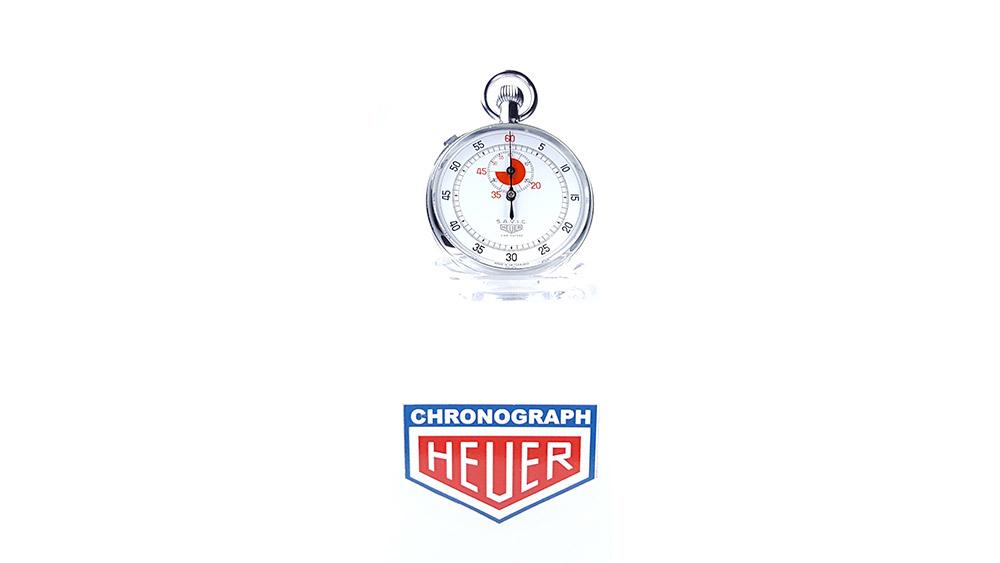 Vintage HEUER stopwatch ref. 907 (version S.A.V.I.C) --- wide shot --- ikonicstopwatch.com