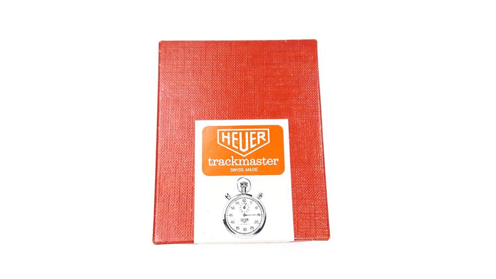 Chronomètre vintage HEUER ref. 8037 trackmaster (édition pour marché japonais) --- boite vue de haut --- ikonicstopwatch.com