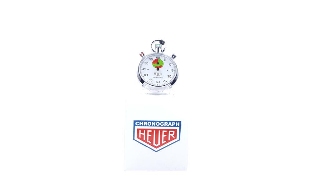 Chronomètre vintage HEUER ref. 8037 trackmaster (édition pour marché japonais) --- plan général --- ikonicstopwatch.com